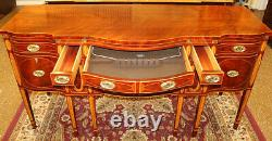 Fantastic Kindel Winterthur Collection Mahogany Inlaid Server Buffet Sideboard
